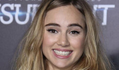 Suki Waterhouse and Hair Texturing