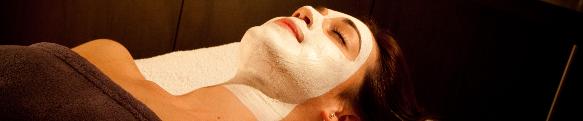 EYE TREATMENTS / FACIALS / MASSAGES